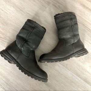 UGG • Black Leather Suede Boots